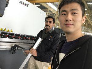 Algeria Client Testing Press Brake Machine i vår fabrikk