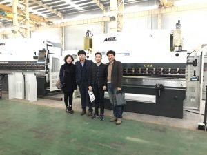 Koreanske kunder besøker vår fabrikk
