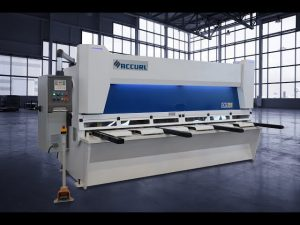 Master Hydraulic Guillotine Shears MS8 3206 med ELGO P40T Touch Screen CNC System